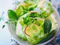 Green Salad with Herbs and Nectarines recipe