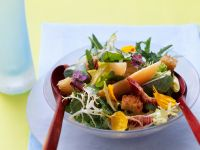Green Salad with Melon recipe