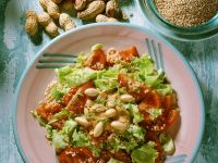Green Salad with Quinoa and Tomatoes