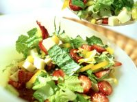 Green Salad with Strawberries and Gouda recipe