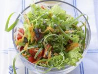 Green Salad with Tomatoes and Carrots recipe