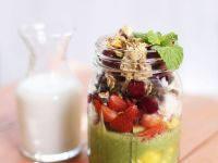 Green Smoothie with Fruit and Nuts recipe