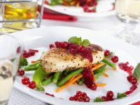 Grilled Chicken Breasts with Vegetables and Currants recipe