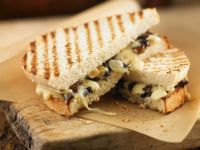 Grilled Mushroom and Swiss Cheese Sandwich recipe