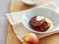 Grilled Nectarines with Smooth Vanilla Sauce recipe