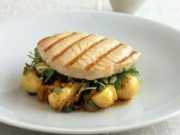 Grilled Tuna with Potatoes and Arugula recipe
