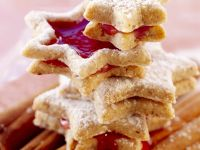 Hazelnut Star Cookies with Mulled Wine Jelly recipe