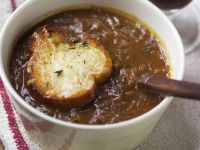Hearty Sliced Onion Soup recipe