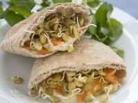 Hummus-filled Pittas recipe