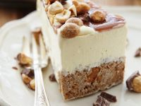 Ice Cream Cake with Nuts and Caramel recipe