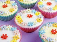 Iced Flowery Cakes recipe
