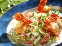 King Prawn and Grape Salad with Yogurt Dressing recipe