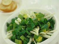 Lamb's Lettuce Salad with Fennel and Avocado