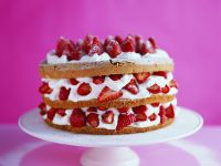 Layered Cake with Fruit and Cream recipe