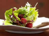 Leafy Green Salad with Raspberries recipe