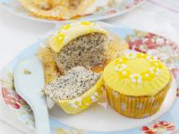 Lemon Poppyseed Cupcakes recipe