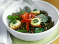 Lentil and Bell Pepper Salad with Croutons and Goat Cheese recipe