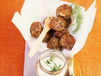 Lentil Balls with Yogurt Sauce recipe
