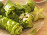 Lettuce Rolls Filled with Rice Noodles and Turkey recipe