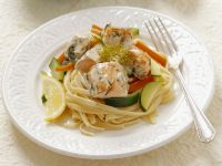 Linguine with Salmon, Bell Peppers and Zucchini recipe