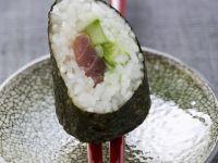 Maki with Tuna and Cucumber recipe
