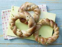 Marzipan Quark Wreaths recipe