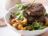 Meat Patties with Chanterelles, Tomatoes and Green Beans