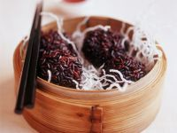 Meatballs with Red Rice and Crispy Glass Noodles recipe