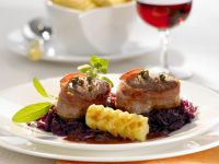 Medallions of Wild Boar Wrapped in Bacon with Red Cabbage recipe