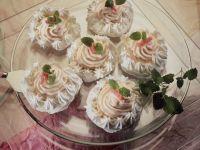 Meringue with Rhubarb Cream recipe