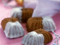 Mini Cakes with Lemon Glaze recipe