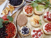 Mini Cakes with Quark and Fruit Toppings recipe