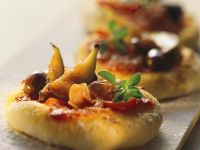 Mini Ham and Fig Pizzas recipe