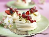 Mini Pavlovas recipe