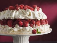 Mixed Berry Meringue Cake recipe