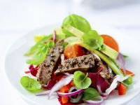 Mixed Salad with Beef Strips and Avocado recipe