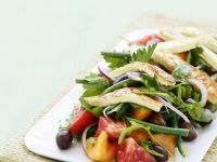 Mixed Vegetable Salad with Halloumi