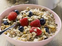 Muesli with Berries recipe