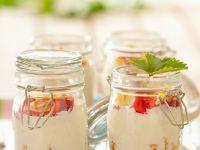 Muesli with Strawberries and Yogurt recipe