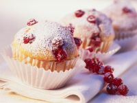 Muffins with Red Currants recipe