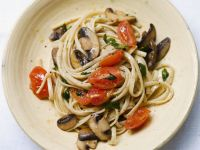 Mushroom Linguine with Tomatoes recipe