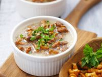 Mushroom Soup with Sour Cream and Parsley recipe