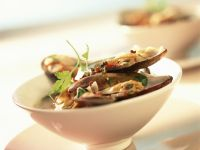 Mussels with Spicy Sauce recipe
