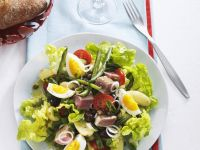 Nicoise Salad with Tuna, Olives and Eggs recipe