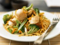 Noodle Stir-fry with Vegetables and Scallops recipe