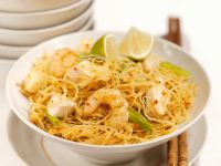 Noodles with Chicken and Shrimp recipe