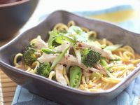 Noodles with Chicken and Vegetables recipe