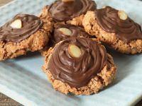 Nut Biscuits with Chocolate recipe