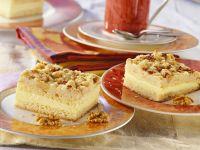 Nut Cake with Vanilla Pudding recipe