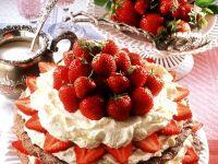 Nut Meringue Cake with Strawberries recipe